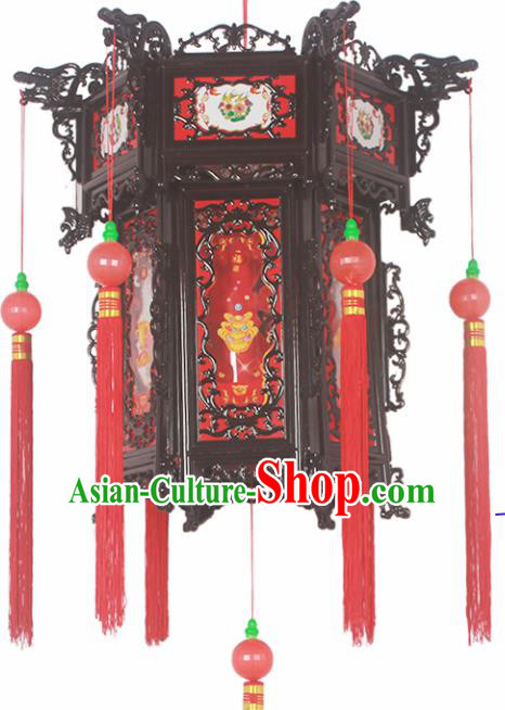 Chinese Traditional Handmade Plastic Red Palace Lantern Asian New Year Lantern Ancient Ceiling Lamp