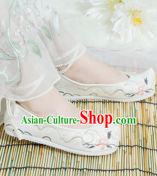 Chinese National Embroidered Peony White Shoes Ancient Traditional Princess Shoes Hanfu Shoes for Women