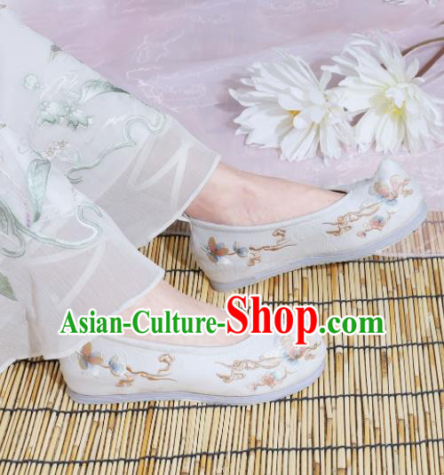 Chinese National Embroidered Magnolia White Shoes Ancient Traditional Princess Shoes Hanfu Shoes for Women
