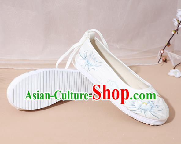 Chinese National Embroidery Lotus White Hanfu Shoes Traditional Princess Shoes Embroidered Shoes for Women