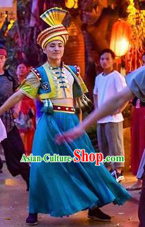 Chinese The Romantic Show of Guilin Stage Performance Zhuang Nationality Bridegroom Dance Costume for Men