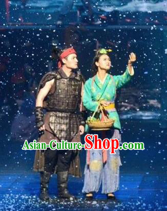 Chinese The Romantic Show of Guilin Stage Show General and Village Lady Dance Costumes for Women for Men