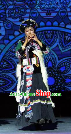 Chinese Impression of Lijiang Naxi Nationality Ethnic Dance Black Dress Stage Performance Costume and Headpiece for Women