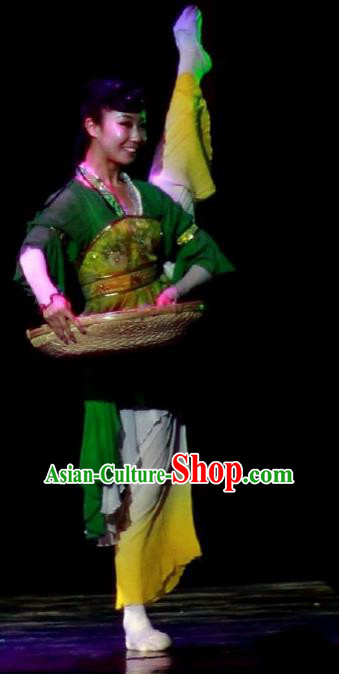 Chinese The Moon Rising On The Helan Mountain Classical Dance Green Dress Stage Performance Costume and Headpiece for Women