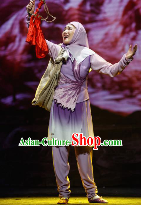 Flowers and Trumpeter Traditional Chinese Hui Nationality Purple Dress Stage Show Costume and Headwear for Women