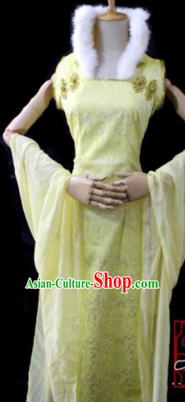 Chinese Cosplay Imperial Consort Yellow Dress Ancient Female Swordsman Knight Costume for Women