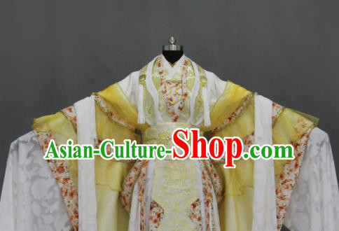 Traditional Chinese Cosplay Fairy Queen Golden Dress Ancient Drama Female Swordsman Costumes for Women
