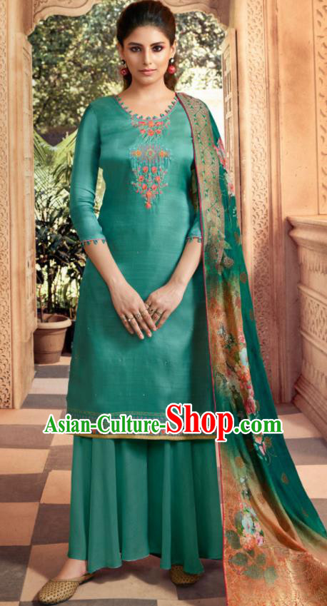 Asian Indian Punjabis Bride Embroidered Peacock Green Satin Blouse and Pants India Traditional Lehenga Choli Costumes Complete Set for Women