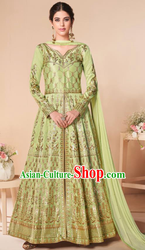 Asian Indian Lehenga Embroidered Light Green Silk Blened Dress India Traditional Bollywood Court Costumes for Women
