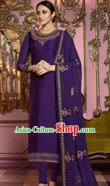 Asian Indian Punjabis Embroidered Deep Purple Satin Blouse and Pants India Traditional Lehenga Choli Costumes Complete Set for Women