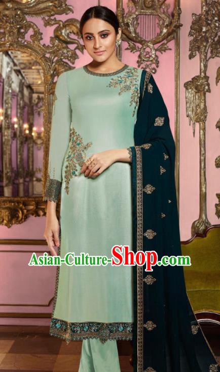Asian Indian Punjabis Embroidered Light Green Satin Blouse and Pants India Traditional Lehenga Choli Costumes Complete Set for Women