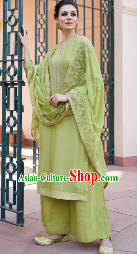 Asian Indian Punjabis Green Muslin Blouse and Pants India Traditional Lehenga Choli Costumes Complete Set for Women
