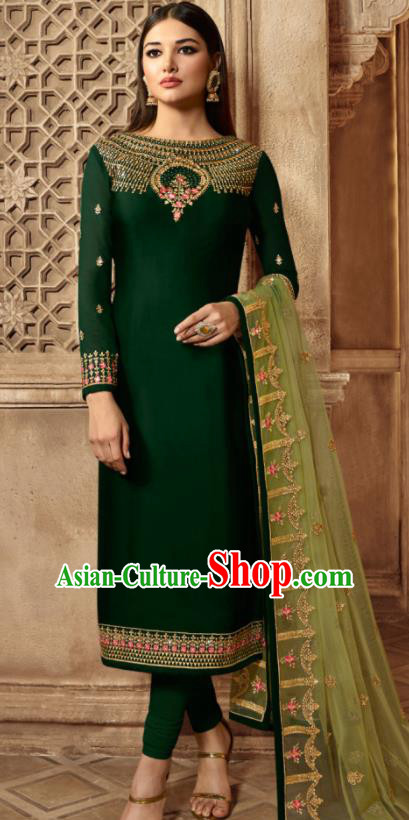 Asian Indian Traditional Embroidered Deep Green Satin Blouse and Pants India Punjabis Lehenga Choli Costumes Complete Set for Women