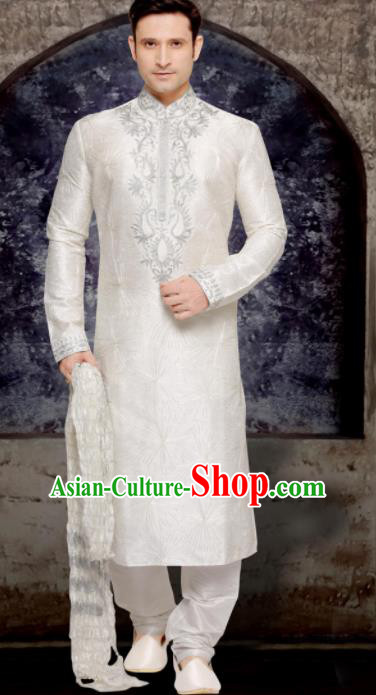 Asian Indian Sherwani Bridegroom Embroidered White Clothing India Traditional Wedding Costumes Complete Set for Men