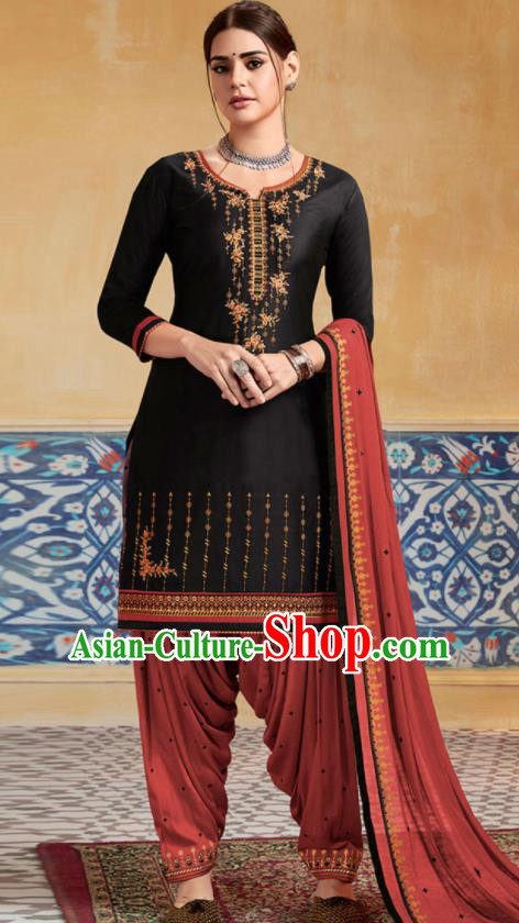 Traditional Indian Punjab Black Satin Blouse and Red Pants Asian India National Costumes for Women