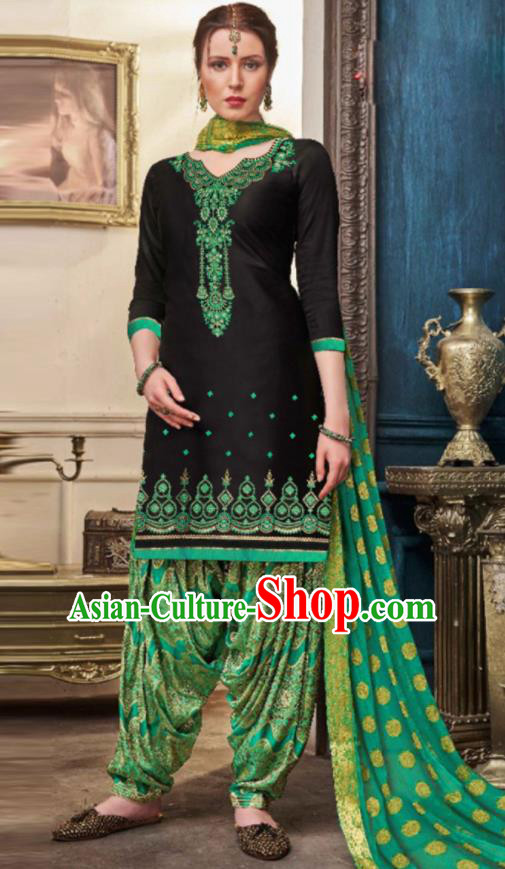 Traditional Indian Punjab Black Satin Blouse and Green Pants Asian India National Costumes for Women