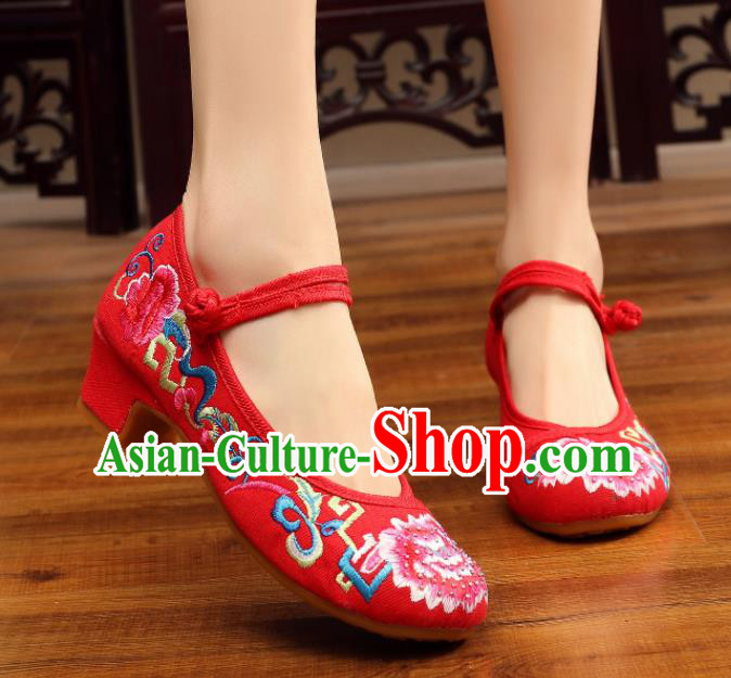 Traditional Chinese Old Beijing Embroidery Peony Red Shoes Embroidered Shoes Cloth Shoes for Women