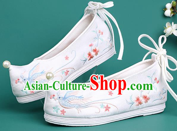 Chinese Traditional Embroidered Swallow White Shoes Hanfu Pearl Shoes Princess Shoes for Women