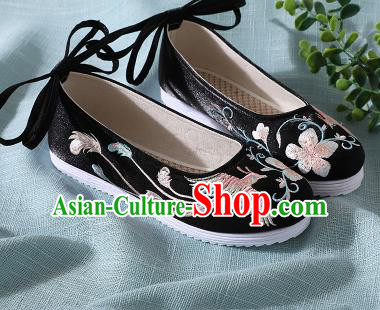 Traditional Chinese Handmade Embroidered Black Shoes Wedding Shoes Hanfu Shoes Princess Shoes for Women