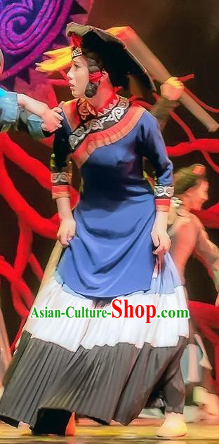 Da Liang Mountains Echo Chinese Yi Nationality Dance Stage Performance Costume and Headpiece for Women