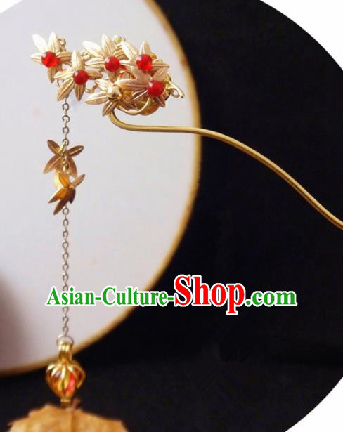 Chinese Ancient Hair Accessories Golden Maple Leaf Hairpins Traditional Bride Hanfu Tassel Hair Clip for Women