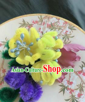 Traditional Chinese Ancient Qing Dynasty Yellow Velvet Flowers Hairpins Handmade Palace Hair Accessories for Women