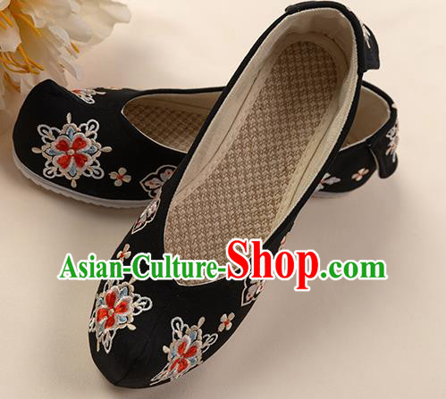 Asian Chinese Black Embroidered Shoes Wedding Shoes Traditional China Princess Shoes Hanfu Shoes for Women
