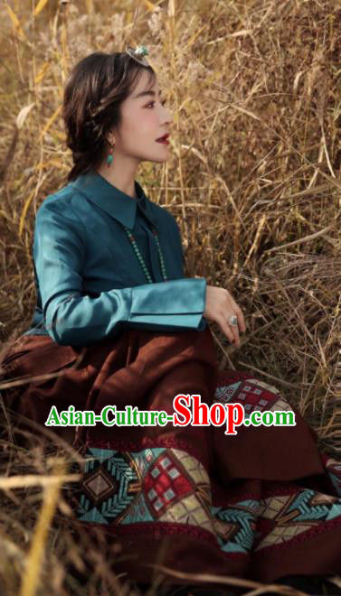 Chinese Traditional Brown Tibetan Robe Zang Nationality Female Dress Ethnic Costume for Women