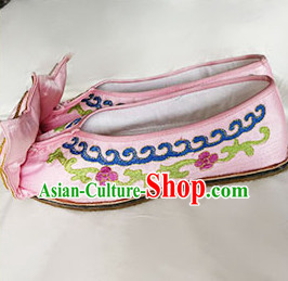 Chinese Traditional Beijing Opera Embroidered Shoes Ancient Princess Hanfu Pink Satin Shoes for Adults