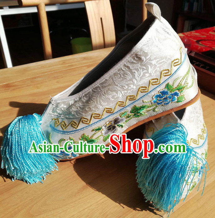 Chinese Ancient Princess Hanfu White Embroidered Shoes Traditional Beijing Opera Diva Blood Stained Shoes for Adults