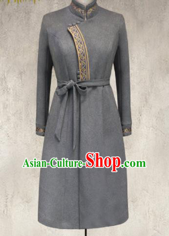 Traditional Chinese Mongol Ethnic Grey Suede Coat Mongolian Minority Folk Dance Costume for Women