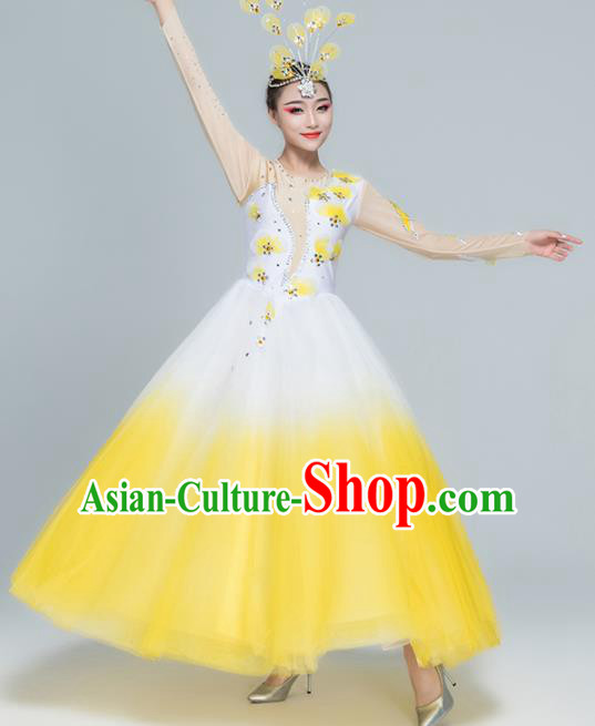 Traditional Chinese Spring Festival Gala Modern Dance Yellow Dress Stage Show Chorus Opening Dance Costume for Women