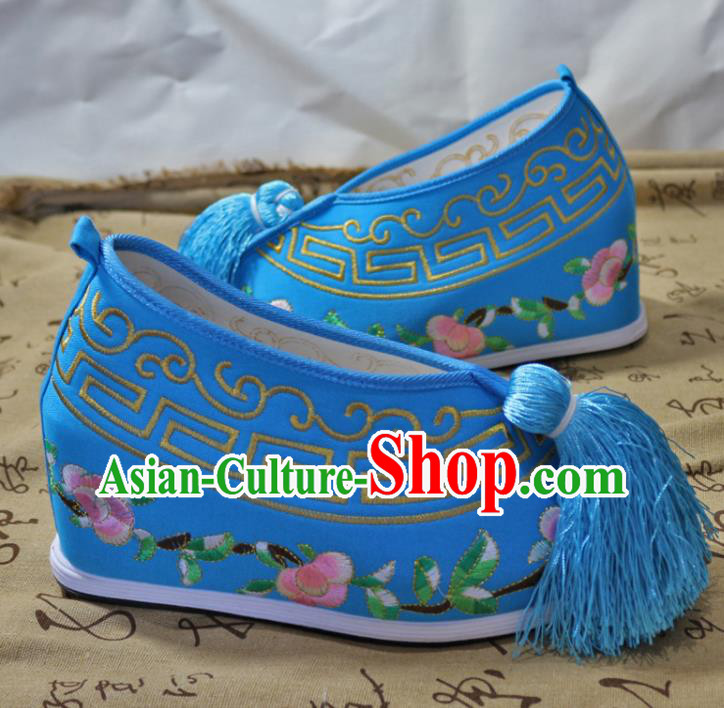 Asian Chinese Traditional Beijing Opera Blue Embroidered Shoes Ancient Princess Shoes Hanfu Shoes for Women