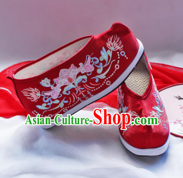 Asian Chinese Traditional Beijing Opera Embroidered Chrysanthemum Red Shoes Ancient Princess Shoes Hanfu Shoes for Women