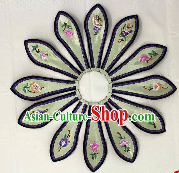 Chinese Ancient Qing Dynasty Princess Embroidered Light Green Shoulder Cappa Traditional Embroidery Appliqu Craft for Women