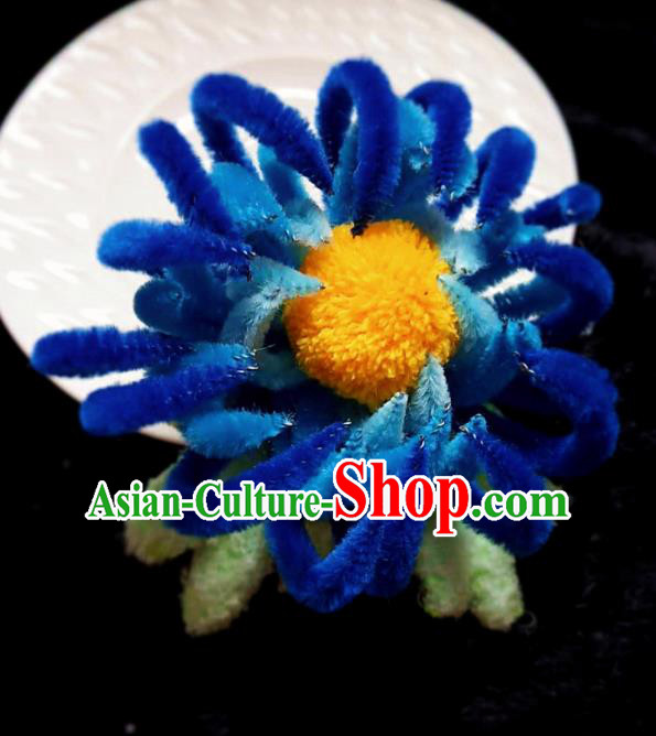 Handmade Chinese Ancient Qing Dynasty Royalblue Velvet Chrysanthemum Hairpins Traditional Court Hanfu Hair Accessories for Women